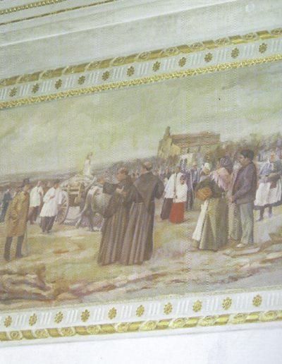 Quadre ubicat a la capella de la Puríssima, a la dreta de l'altar major de l'església de Santa Maria. La pintura recorda el trasllat de la Puríssima l'any 1953. Sembla que l'autor fou el pintor Ontinyentí Carlets.